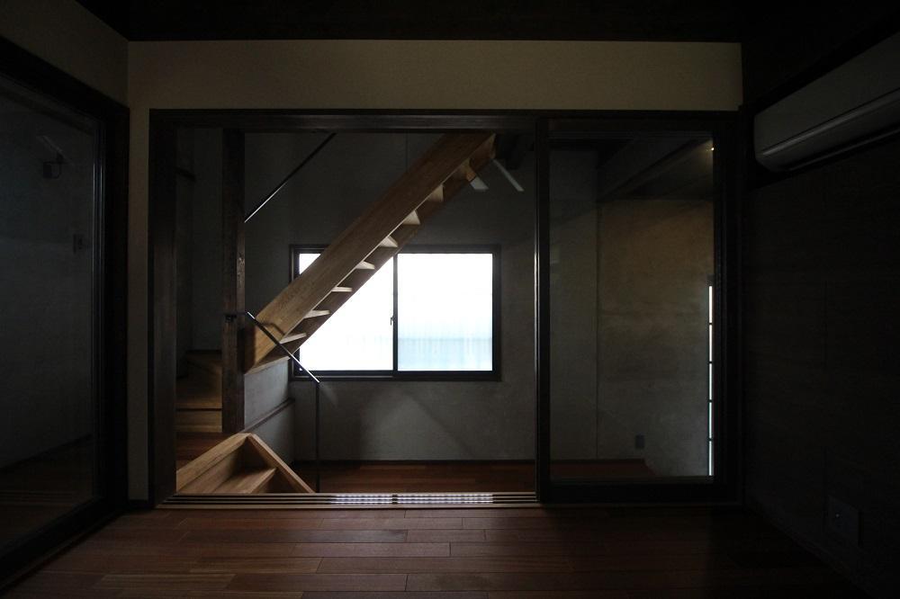 室内からの玄関周辺