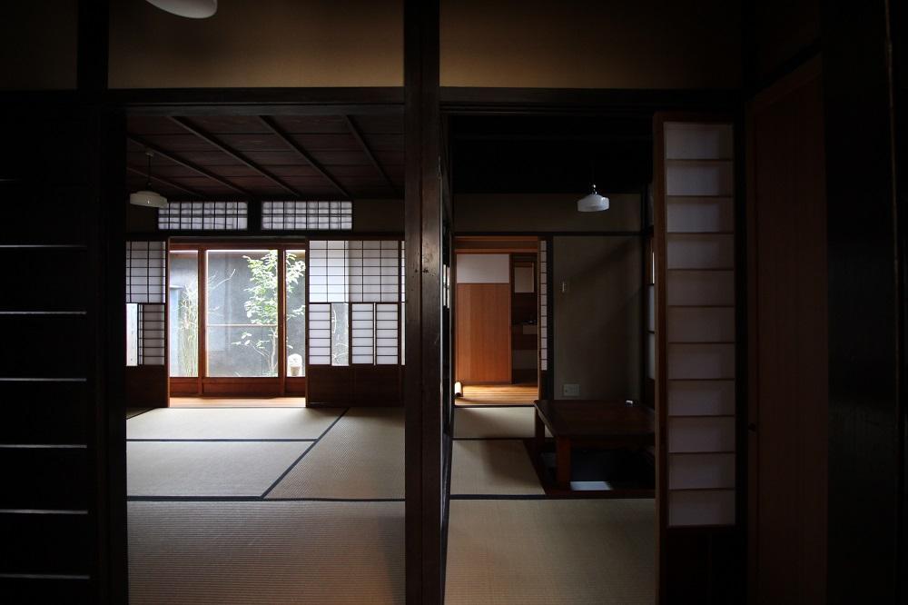 田の字の関係の4部屋。四つ目建ちというらしい。