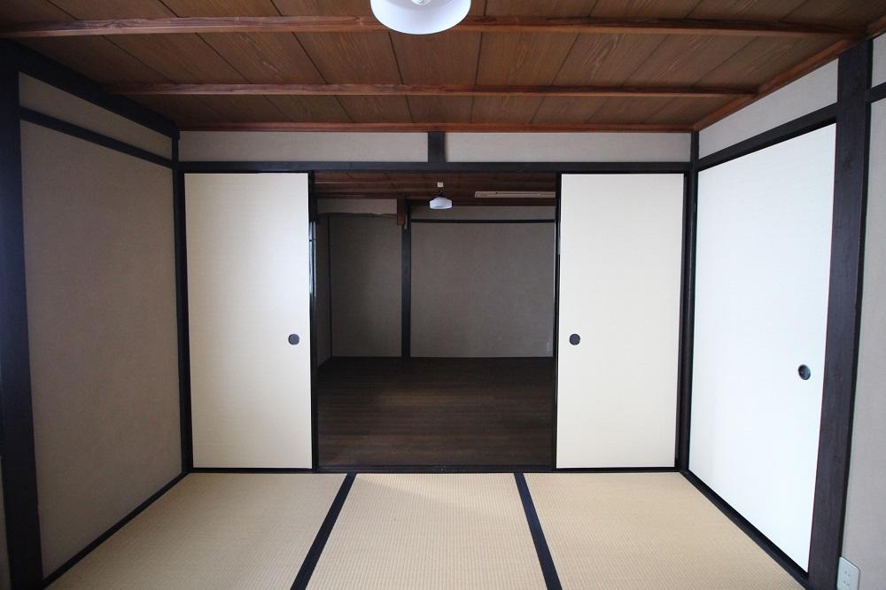 和室と洋室が連なる2階