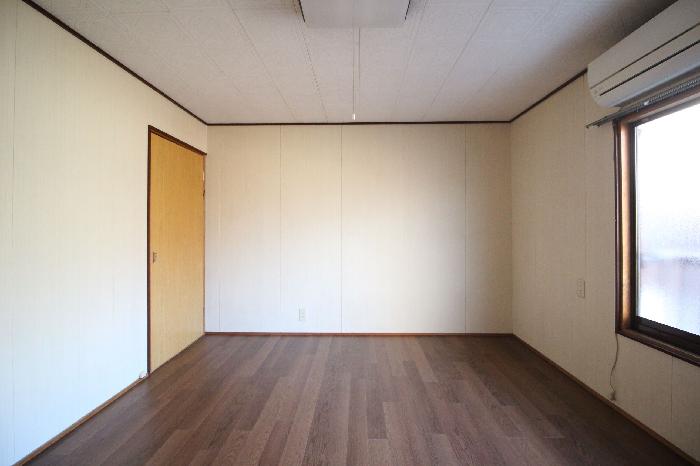 2階東側洋室7帖ベランダ無し。