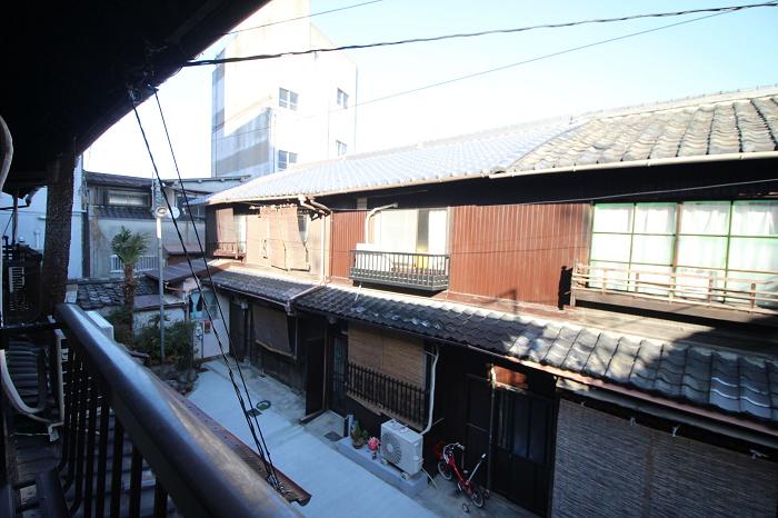 2階東側洋室7帖の窓から。