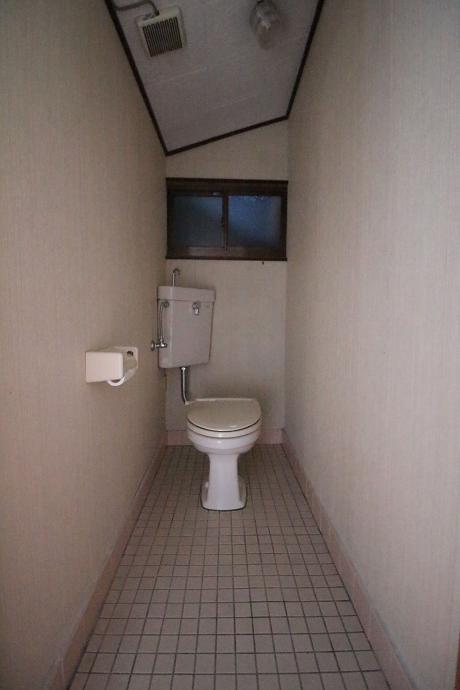 雰囲気ある(?)トイレ。
