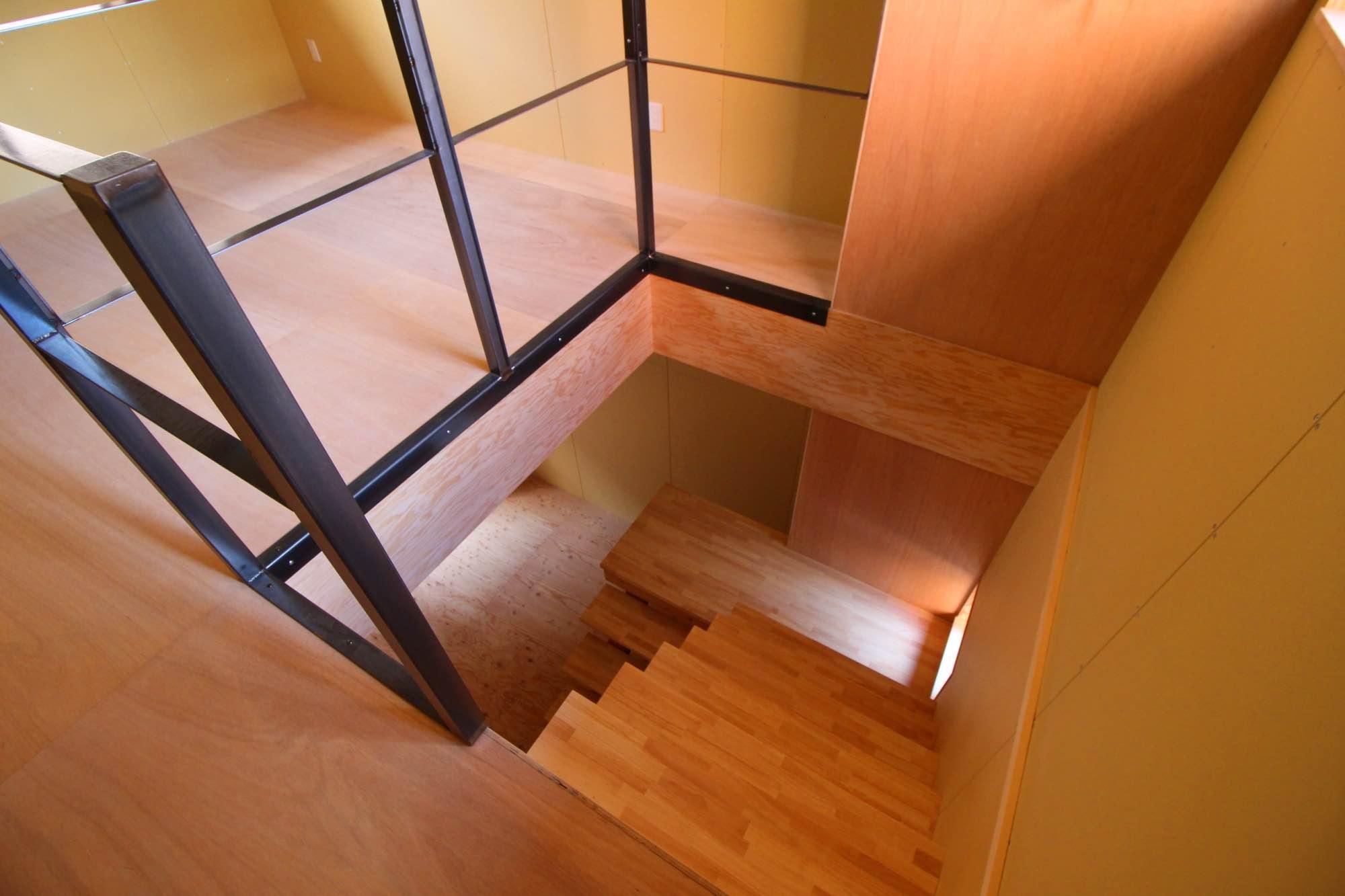 B区画の階段はこのような感じ。