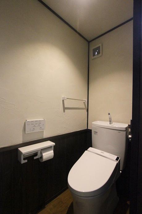 トイレは白です。。。