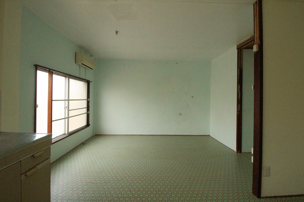 3階西側ミントグリーンの部屋。
