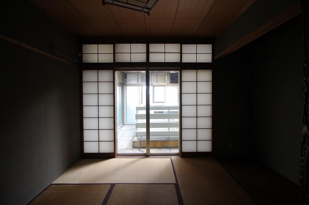 真ん中の和室にも明りが入ります