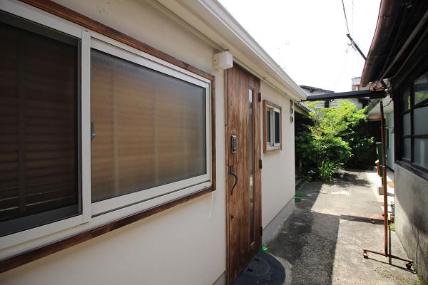 木目調の玄関がカワイイですね