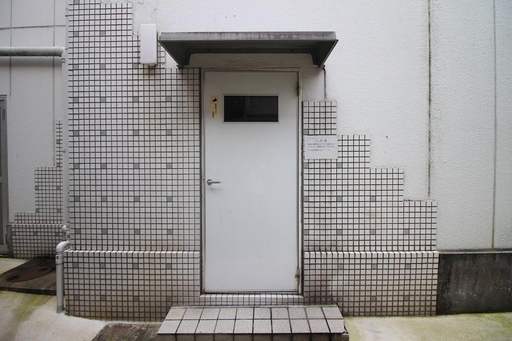 これがエントランスの扉