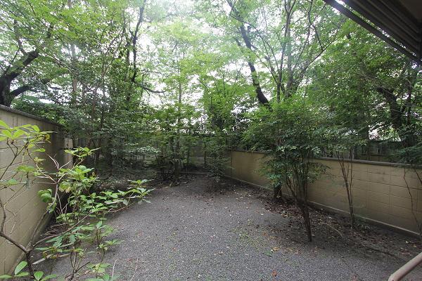 庭半分、住居半分。 (京都市左京区岡崎円勝寺の物件) - 京都R不動産