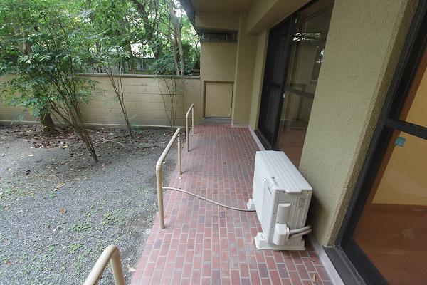 軒下の部分はレンガ調でカワイイ
