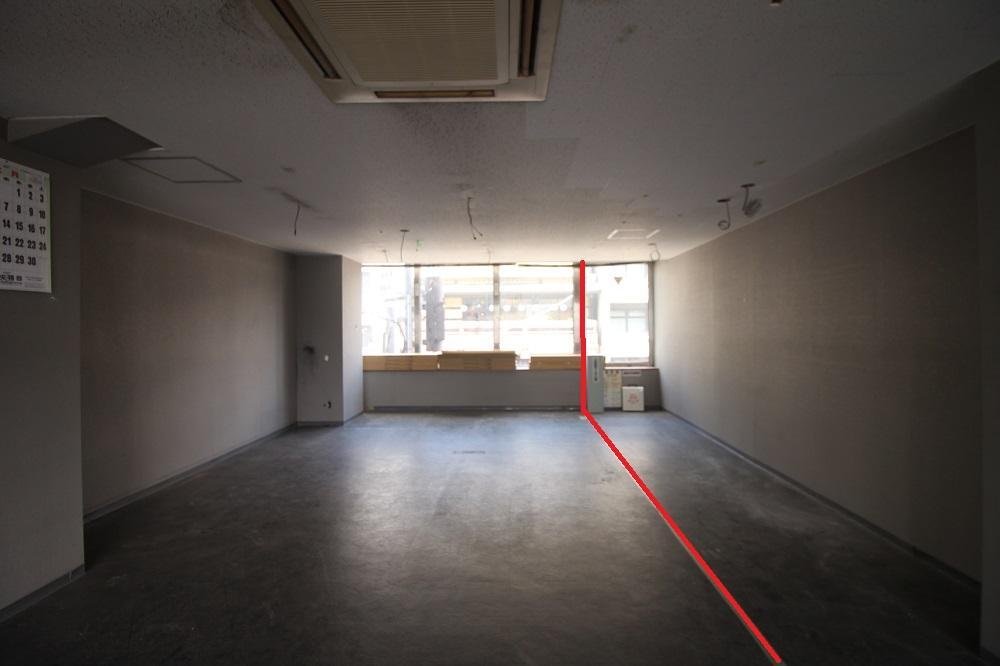 3階西:新しく壁が出来る赤のラインまでが賃貸区画