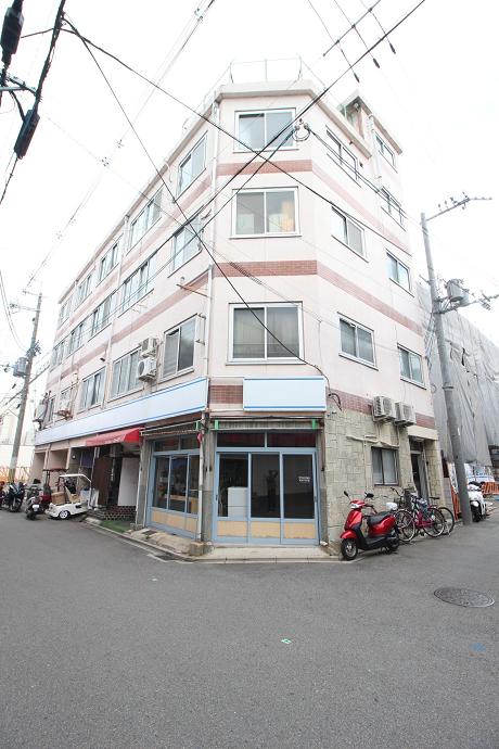 1階は京都R不動産の事務所です