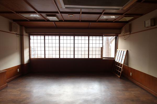2階、路地側の部屋