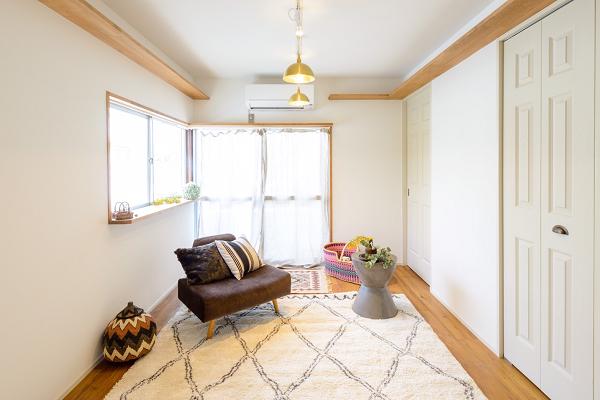 シンプルな清潔感のある部屋です