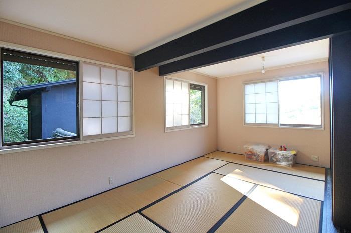 2階の和室、9.5帖もあって眺望も素晴らしい