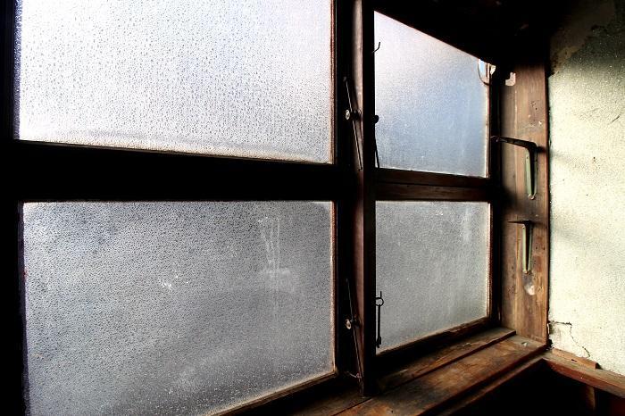 この窓はまだまだ使えそうです