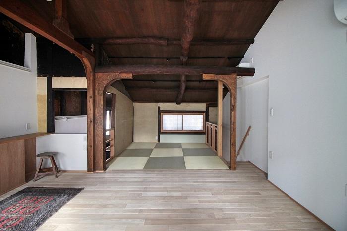 2階も1階と同じく緩くスペース分けされてます