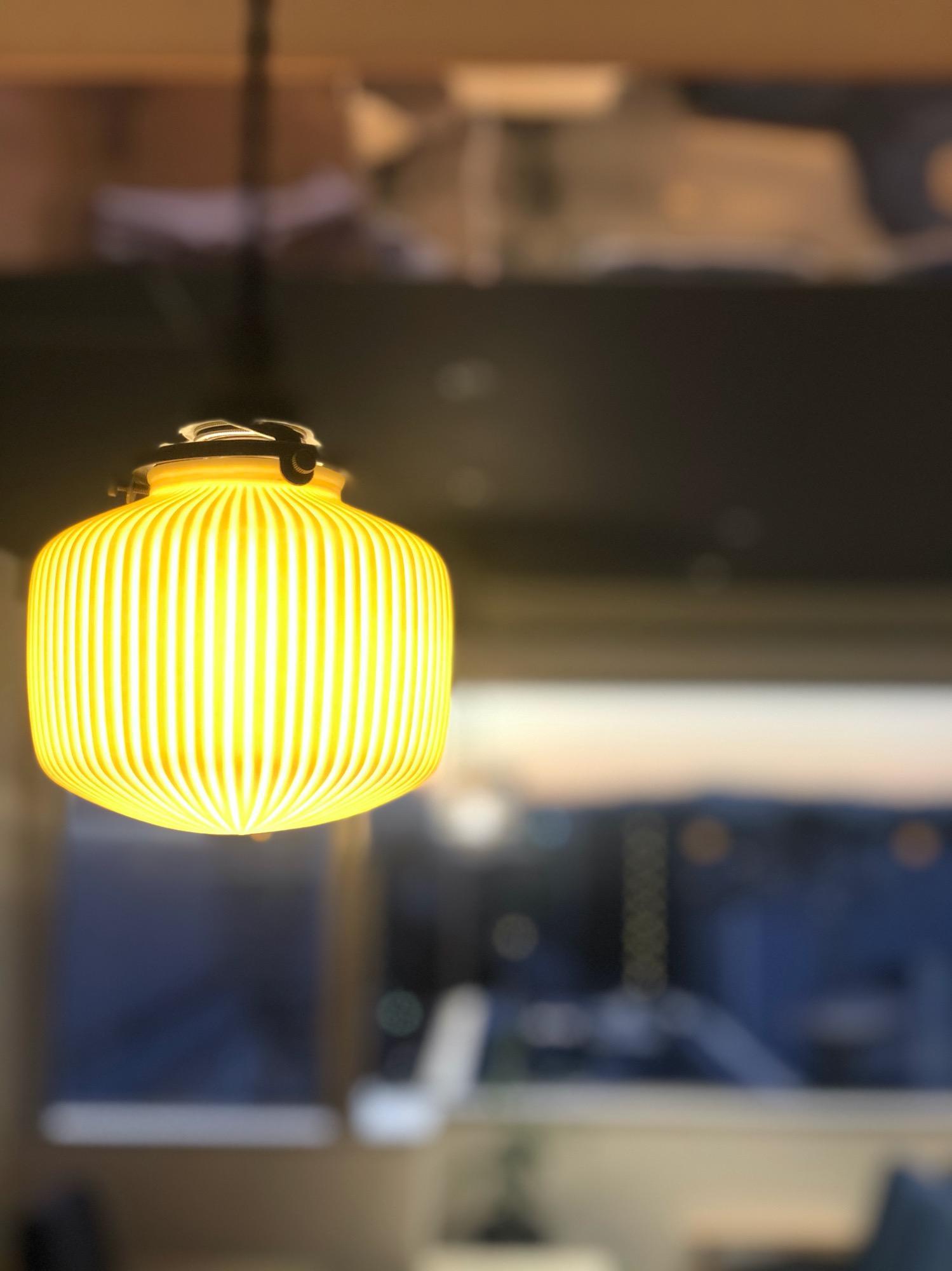 京都が意識された落ち着きつつ洒落た照明達