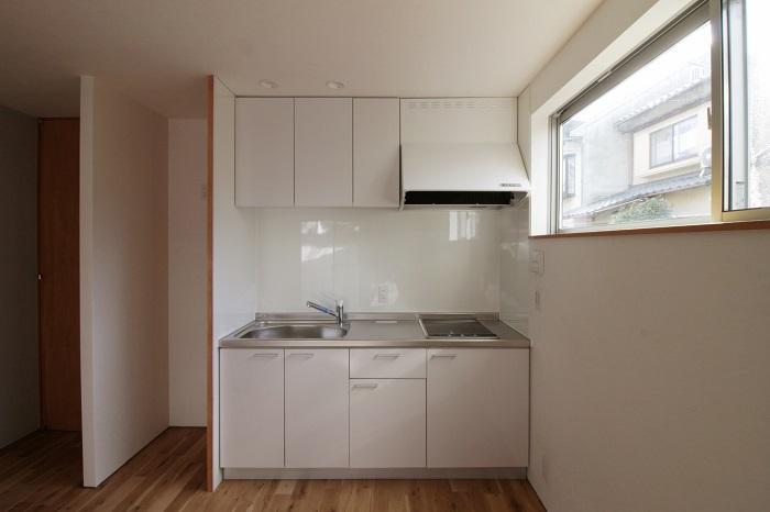 キッチンもシンプルなもの