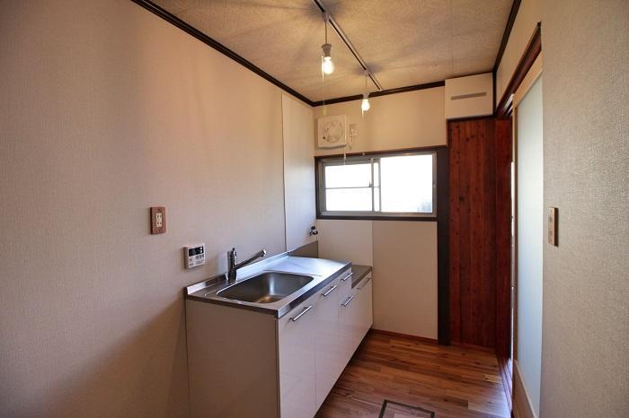 キッチン横に窓があるのが嬉しい