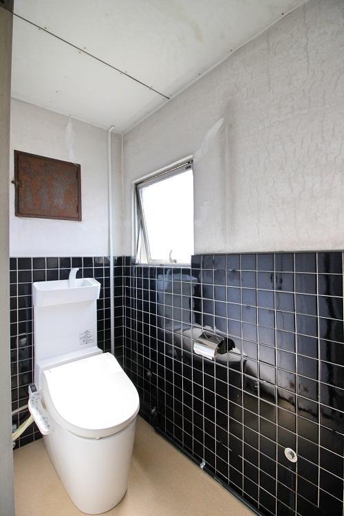 トイレは2階が女性専用、3階が男性専用