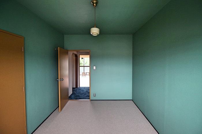 床材はカーペットです