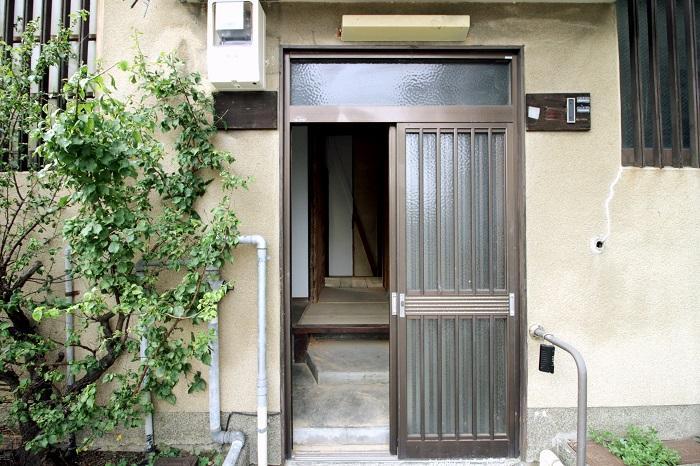 当初は住民が共有していた玄関