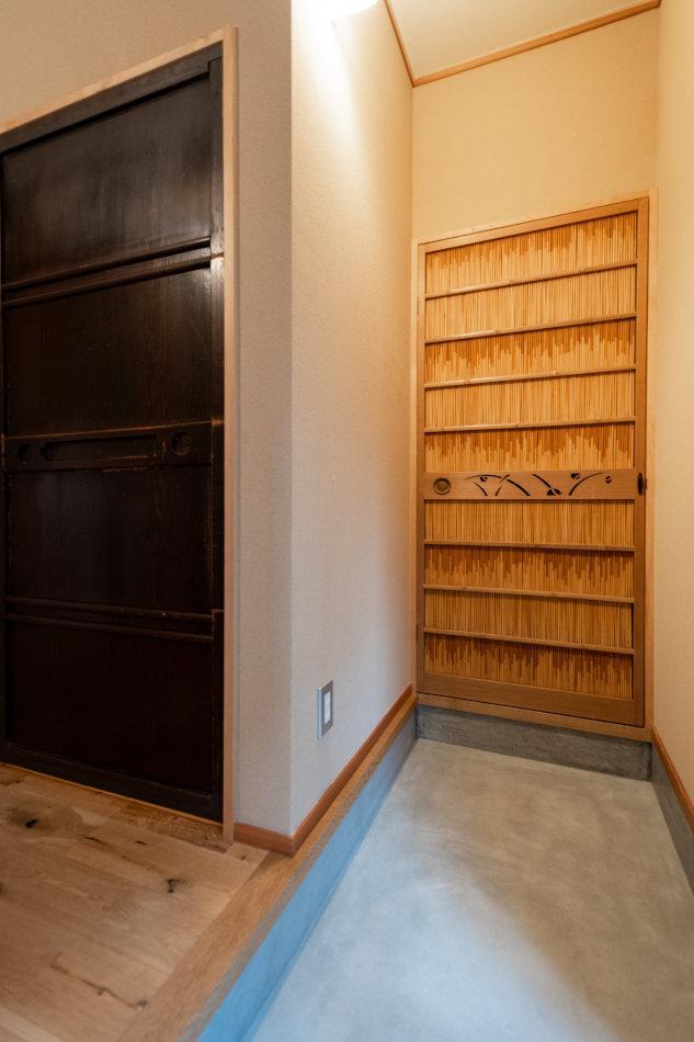 横に広がるゆとりの玄関(1号室)