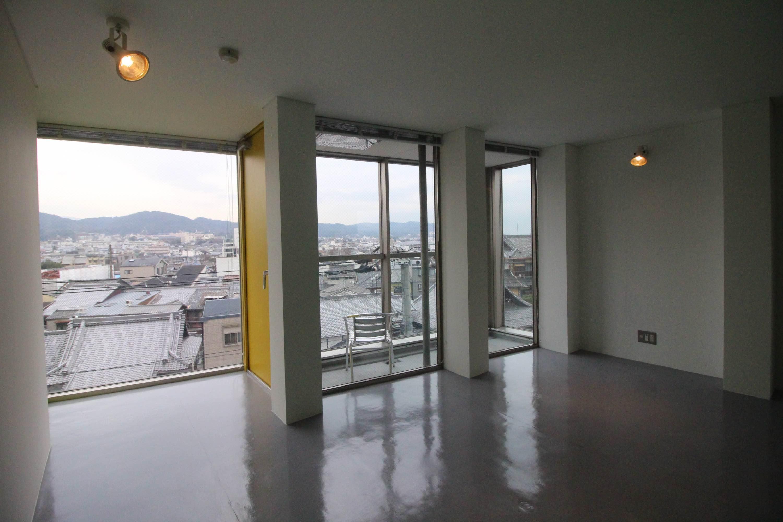透明感のあるスモールオフィス (京都市下京区本塩屋町の物件) - 京都R不動産