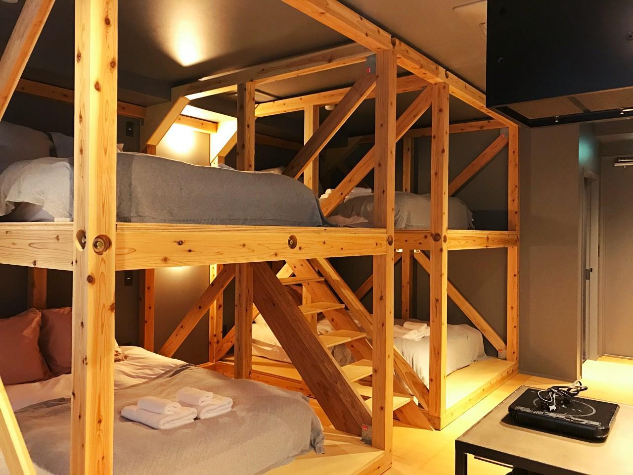 ドミトリー形式の内装な3階