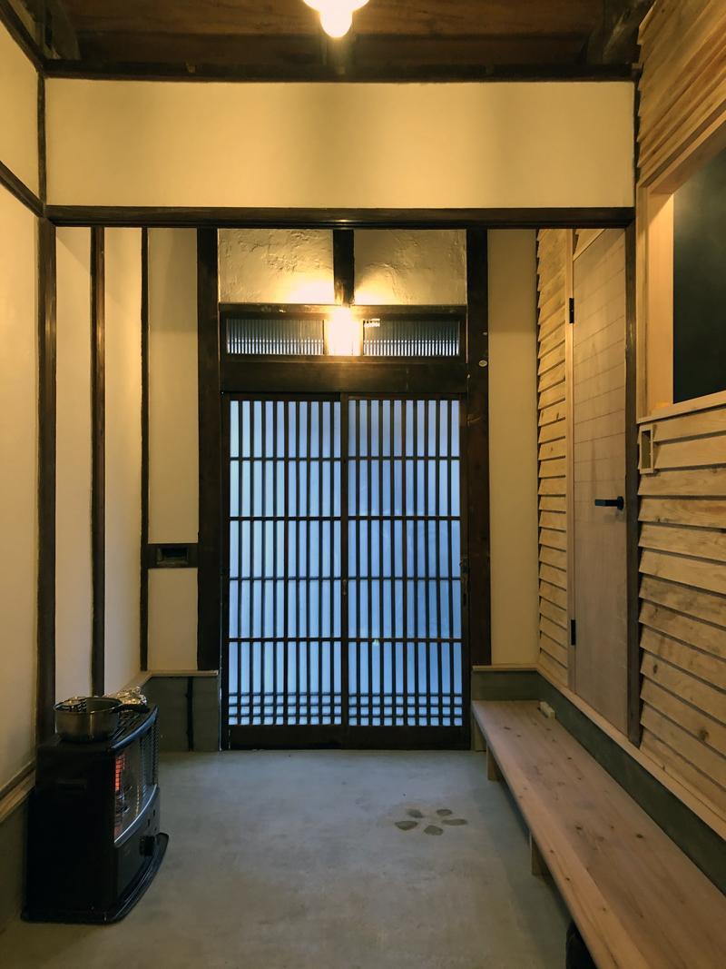 玄関側から脱衣所にアクセスすることもできます。