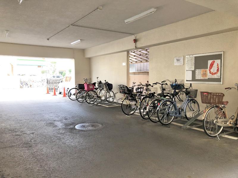 駐輪場は敷地内にあります