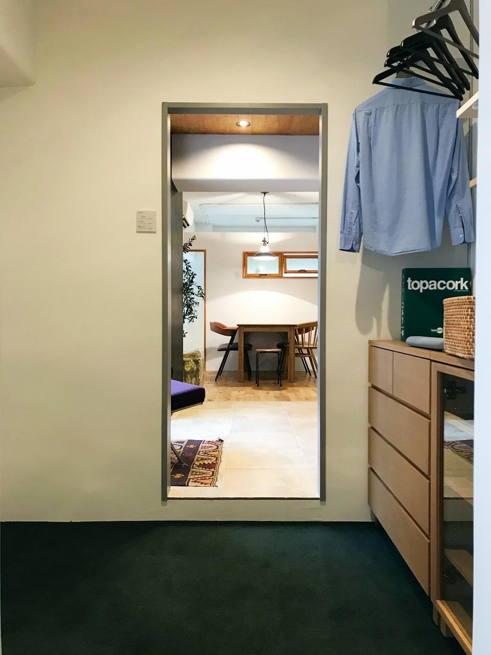 カーペット敷の部屋もあります