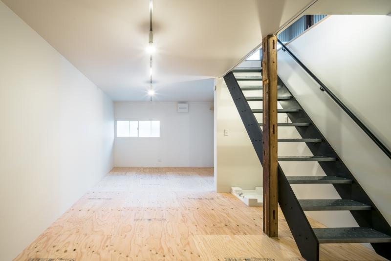 床・壁・天井に断熱材、窓は2重窓に。