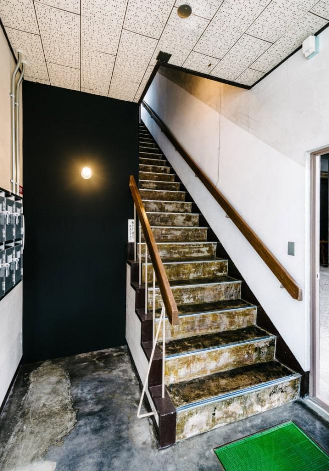 専有部までは階段を使用し3階まで