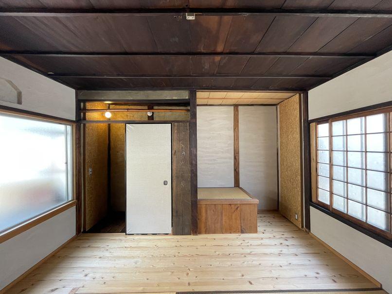 わかりやすい収納スペースは無いので、それぞれに合った収納の工夫を