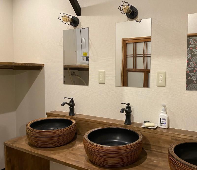 3つある洗面台は、朝の混雑も安心!