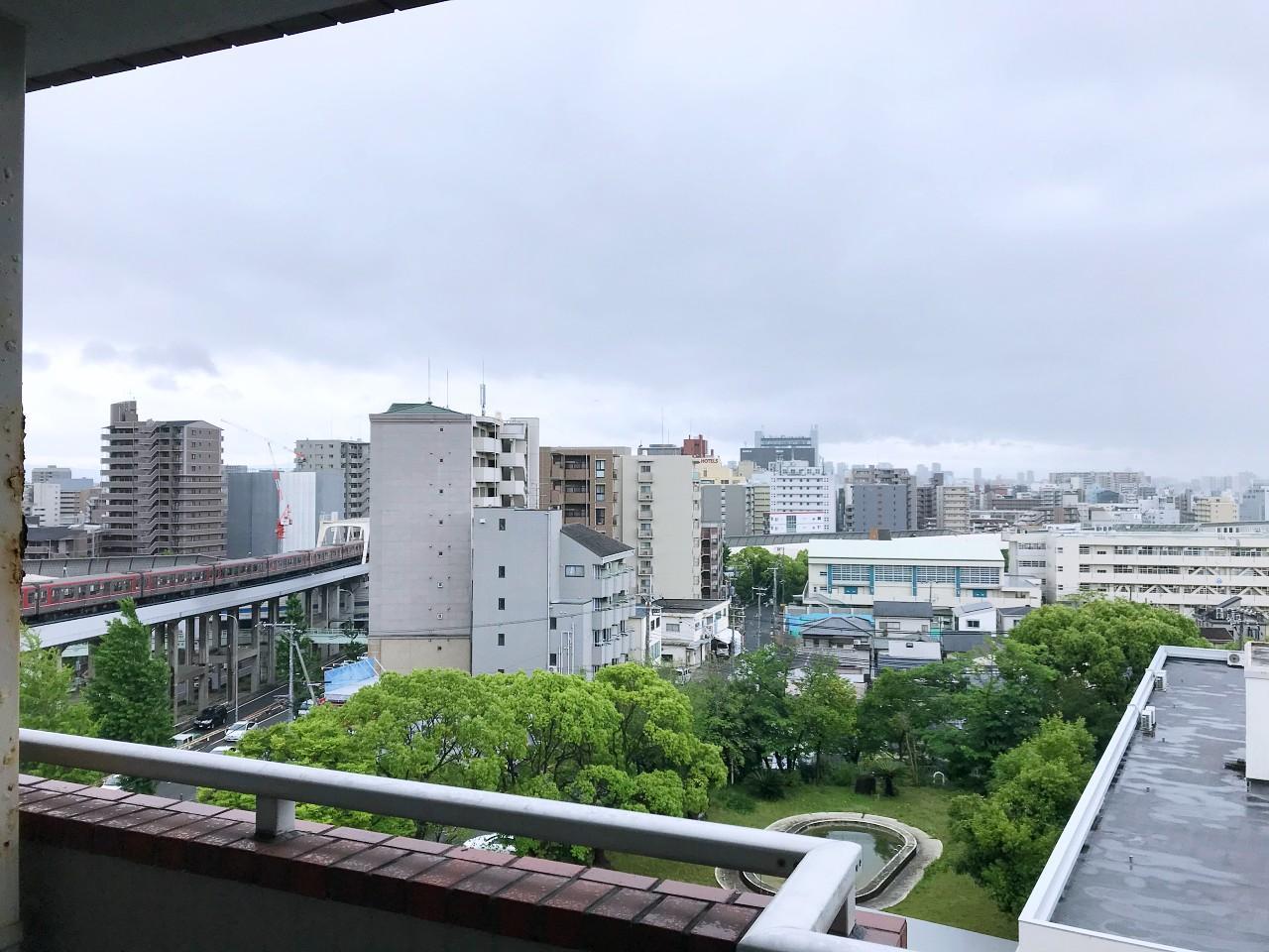 ただ、近くを北大阪急行線が通ります(バルコニーは二重窓です)