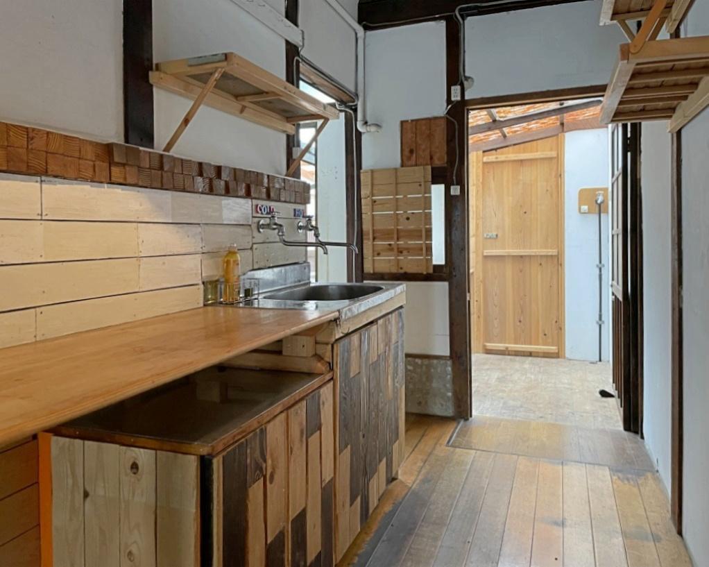 キッチン。置き型のガスコンロを設置可能です