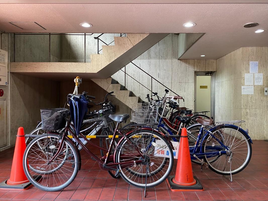 駐輪場。自転車があれば大川沿いをスイスイと走れます。
