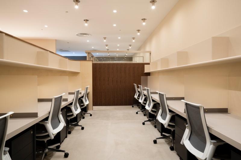 固定席の「PRIVATE DESK」、個人事業主にもおすすめ