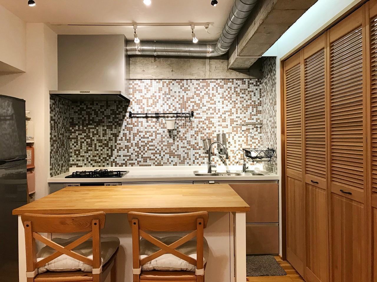 モザイクタイルのキッチン(家具は原則撤去します)