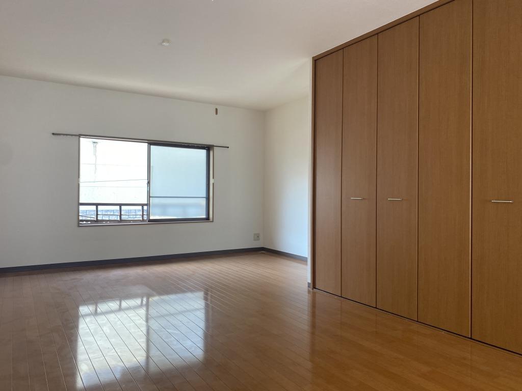 2階の洋室は20平米あります