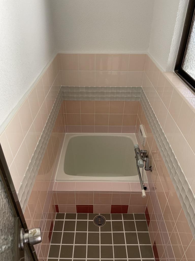 浴室にシャワーはありません