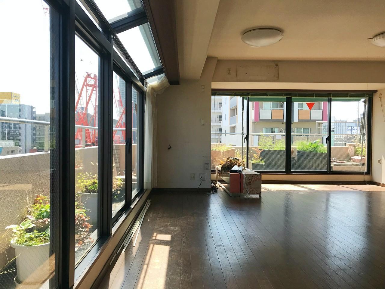 11メートルの廊下 (大阪市中央区内本町2丁目4-3の物件) - 大阪R不動産
