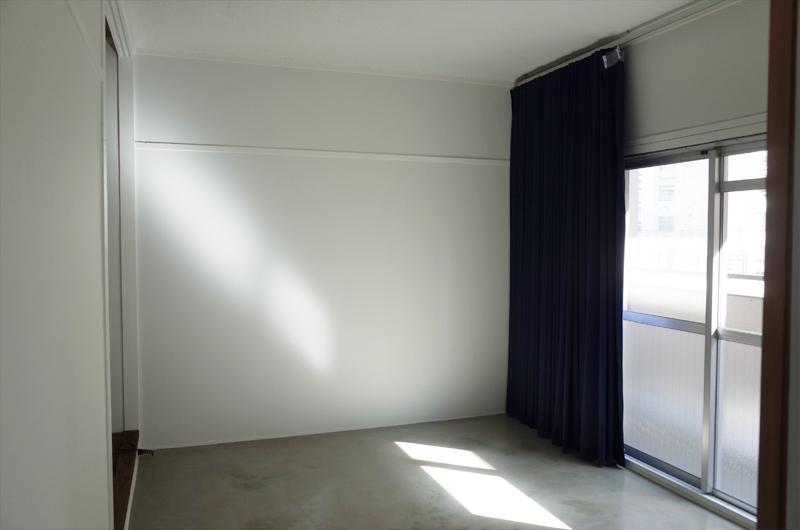 カーテンを開ければ光も入ってくるのでご心配なく。