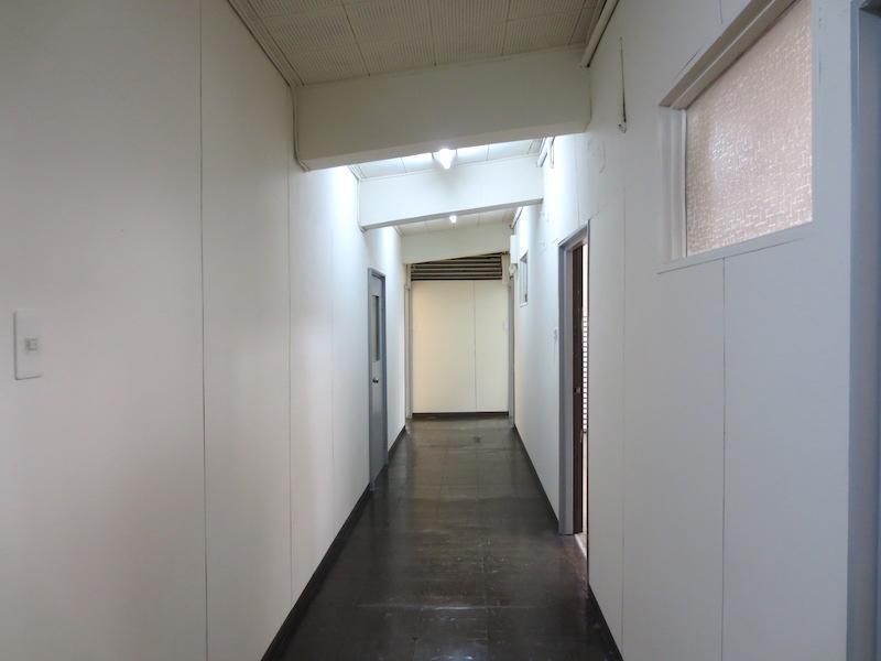 3階の廊下はこんな雰囲気