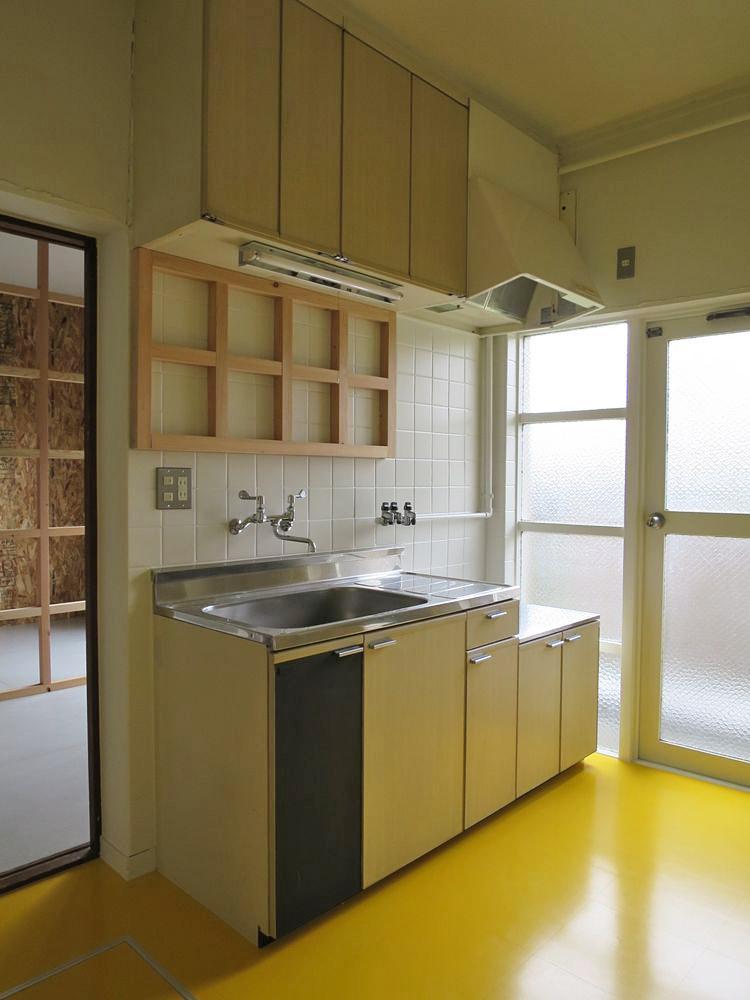 イエローの床は7色の中からセレクト可能◎(102号室)