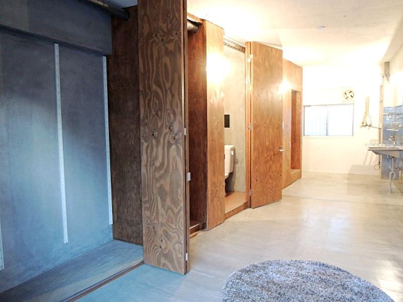 ユニットバスもトイレも洗面も洗濯機置場も収納もコンパクトに備わっています。