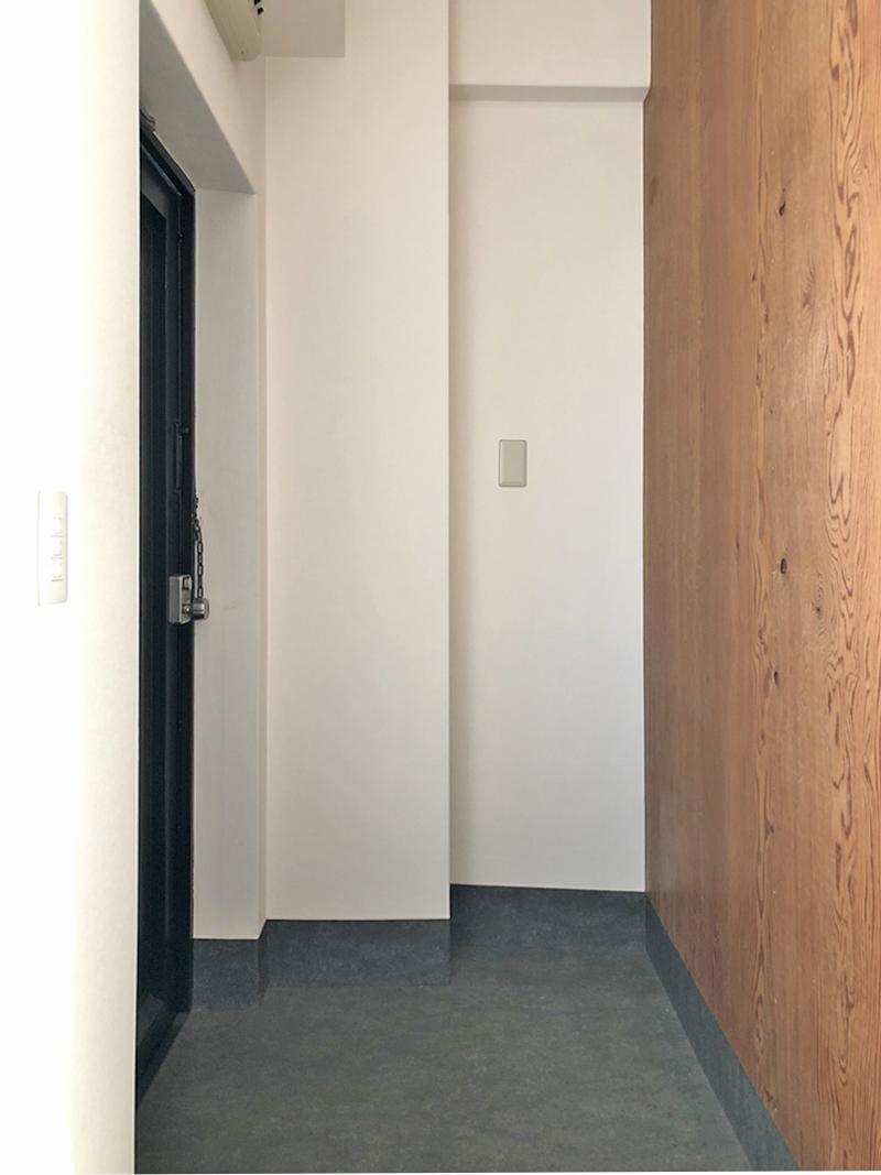 スマートに納まった玄関